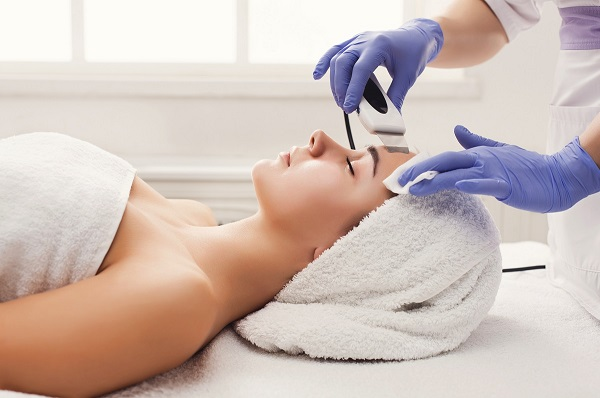 MedSpa Patient receiving treatment